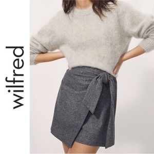 🆕 NWOT Aritzia Wilfred 'New Front Front' Skirt